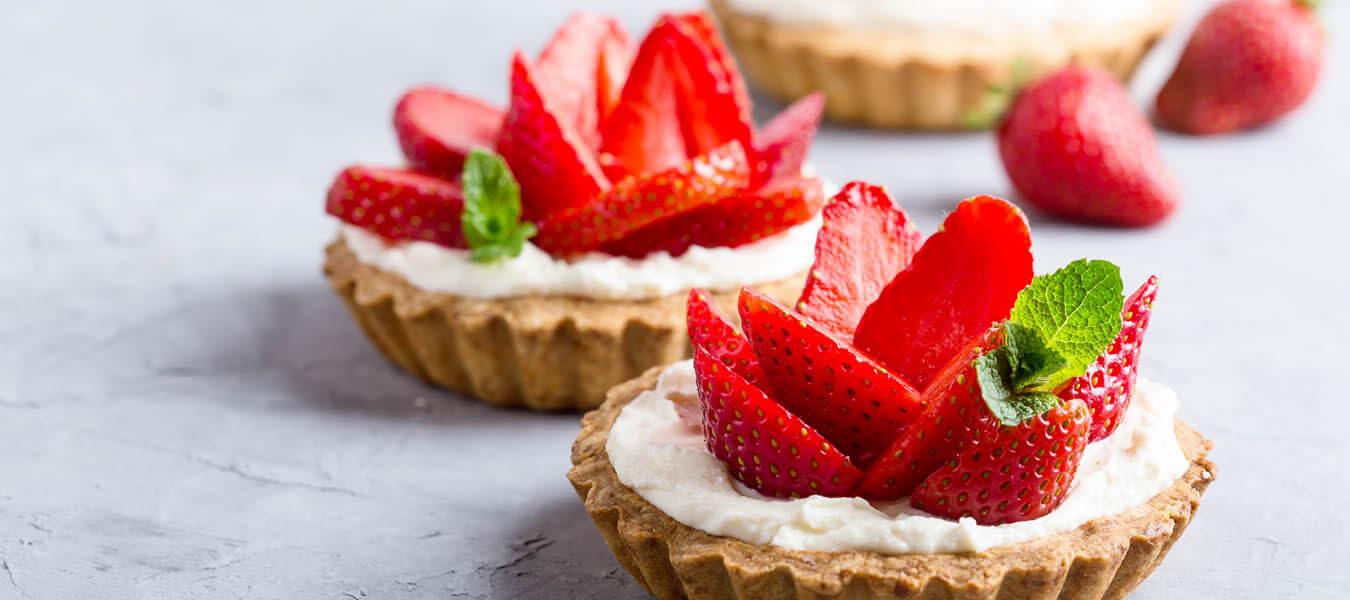 dessert tarts with fresh strawberries